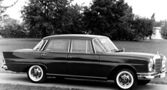 Mercedes Benza 220SE