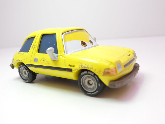 disney cars 2 wm exclusive holley shiftwell n fred fisbowski (3)
