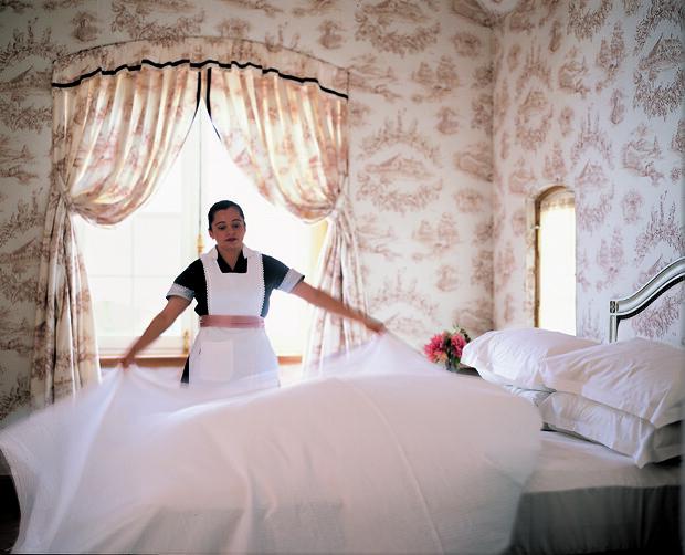 Le Mars Hotel Maid
