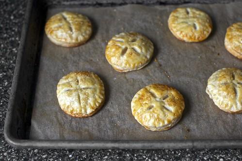 token apple pies