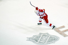 Lidstrom Shoots From Point
