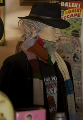 Dr Who hat and scarf