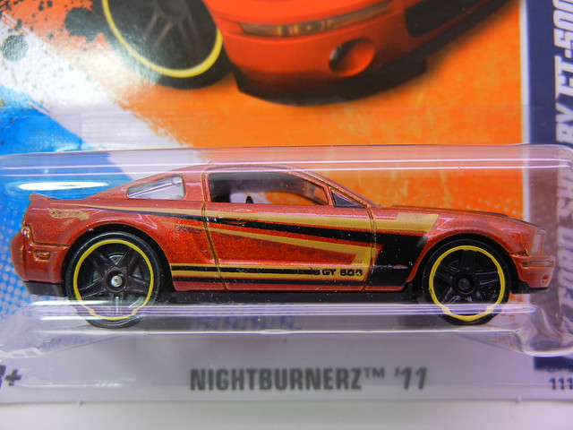hot wheels '07 ford shelby gt-500 bronze (2)