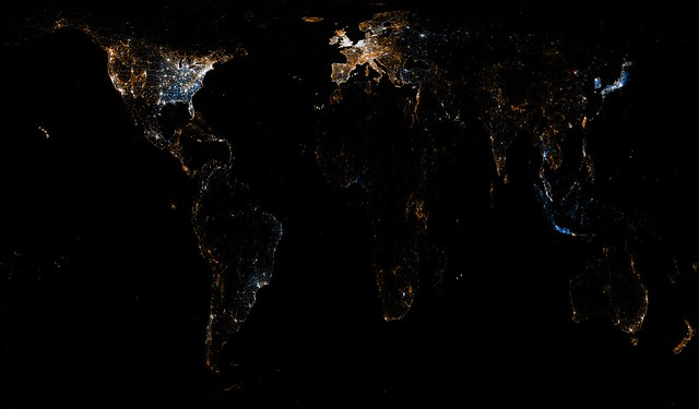 World map of Flickr and Twitter locations