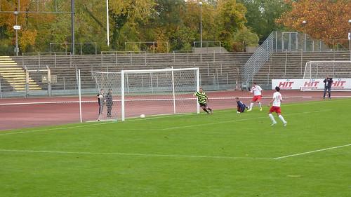 Hamdi auf dem Weg zum 3-1