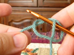 2716 slip knot on crochet hook