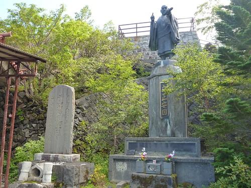 八角堂横日蓮上人立像, 一合目から富士山に登る Climbing Mt.fuji, from the starting point of Yoshidaguchi Climb Trail