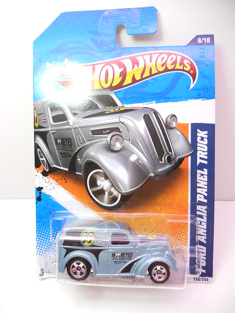 hot wheels ford anglia panel truck blue (1)