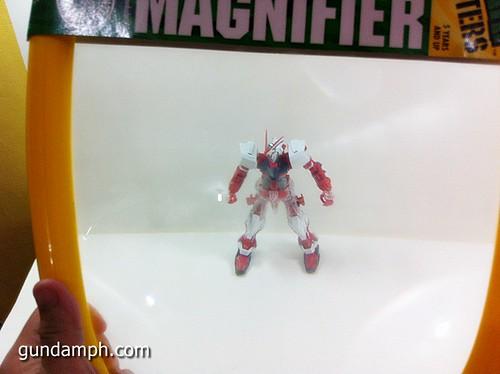 Mega Magnifier Alternative Gundam Building Tool (10)