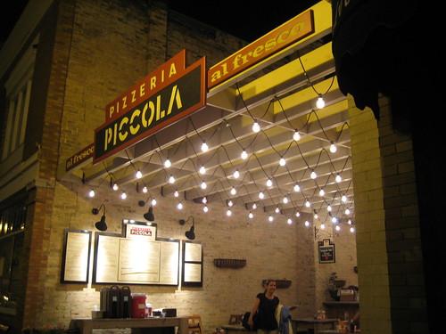 Pizzeria Piccola nighttime