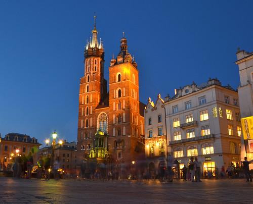 Basílica de Santa María iluminada