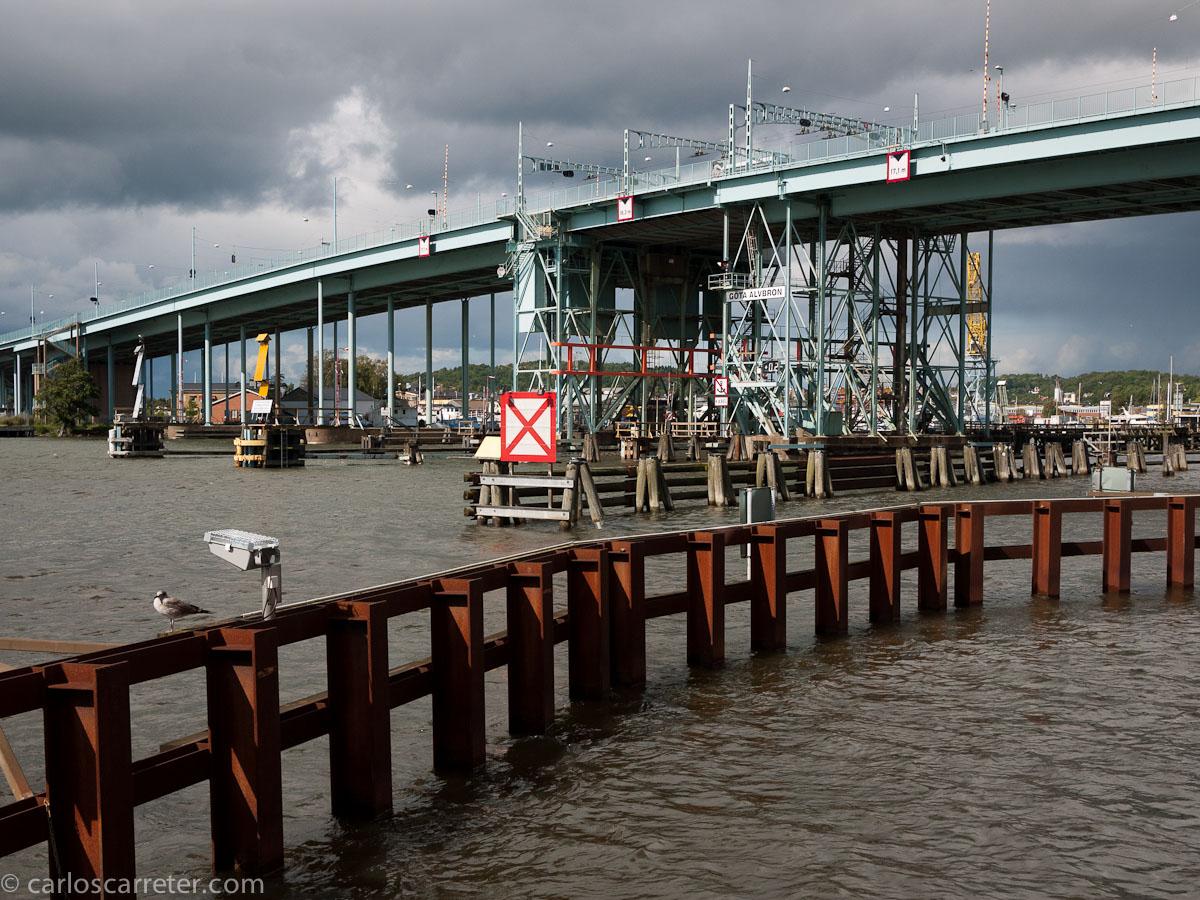Puente sobre el estuario del Göta