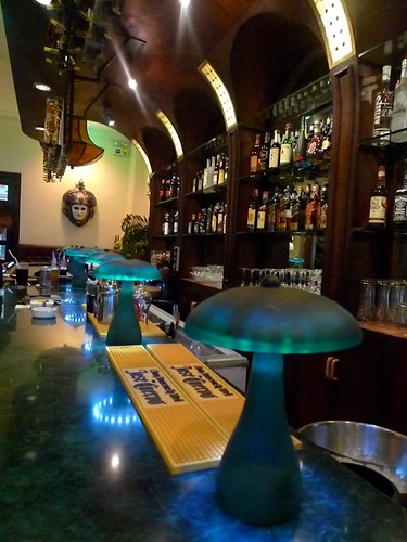 Long bar at Dolce Vita Italian Steakhouse Manila