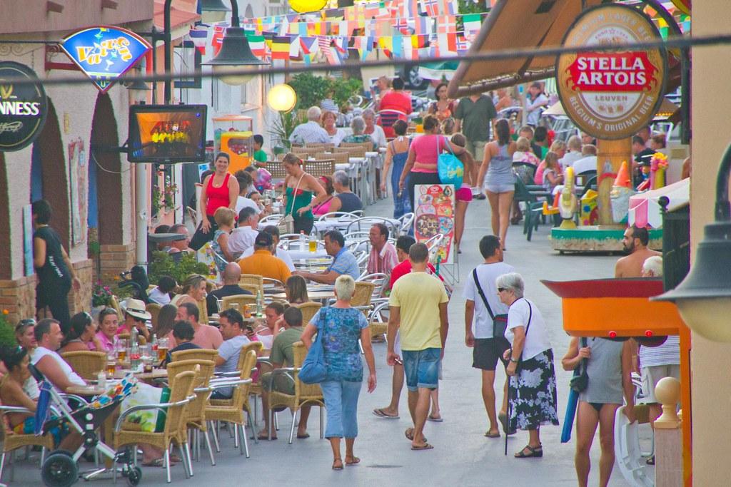 Calle Comercial de Mil Palmeras