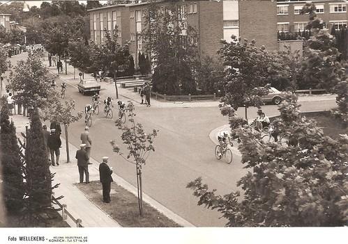 Helenaveldstraat wielerwedstrijd
