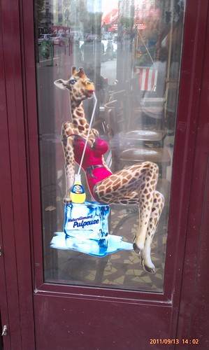 Yeah, I also don't understand the giraffe tiddays either, Orangina #Paris