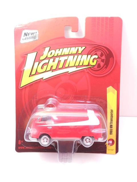 johnny lightning 1965 vw transporter (1)
