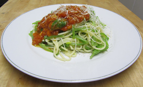Runner bean spaghetti with fresh tomato sauce