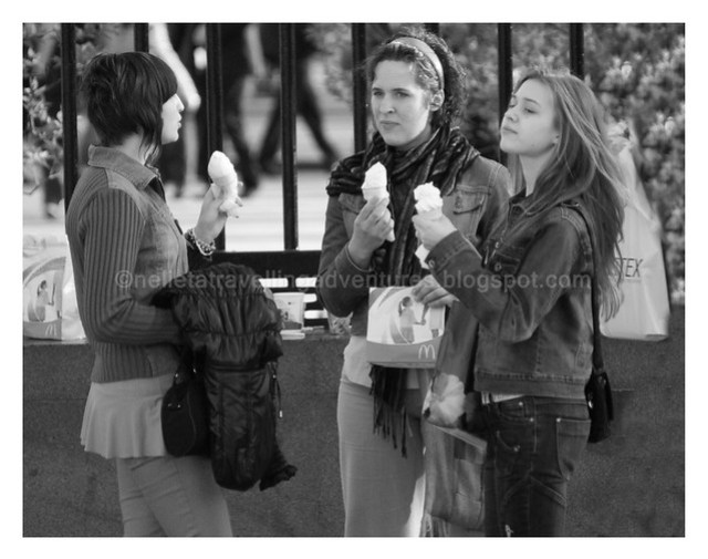 Girls eating icecream in Moscow Park