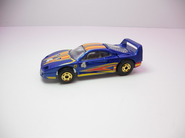 hot wheels hot ones ferrari f40 (2)