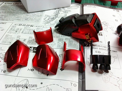 MG Sazabi Metallic Coating (Titanium-Like Finish) (34)