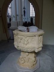 Renesansowa chrzcielnica w kościele pw Wniebowzięcia NMP w Lwówku by Polek