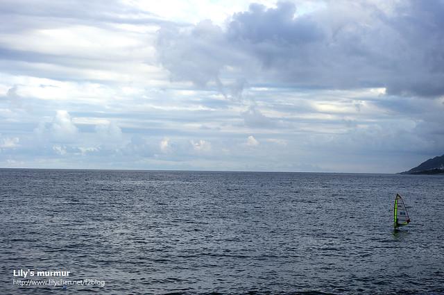 在曙光橋旁的海岸,看海景賞風帆,雖然後來翻了。XD