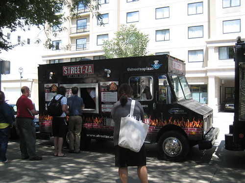 Street-Za food truck Milwaukee