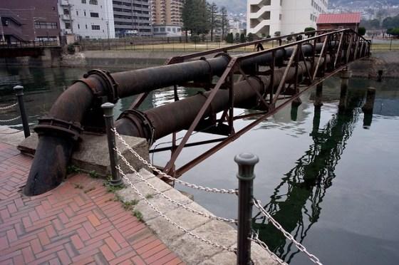 110226_kure-pipebridge