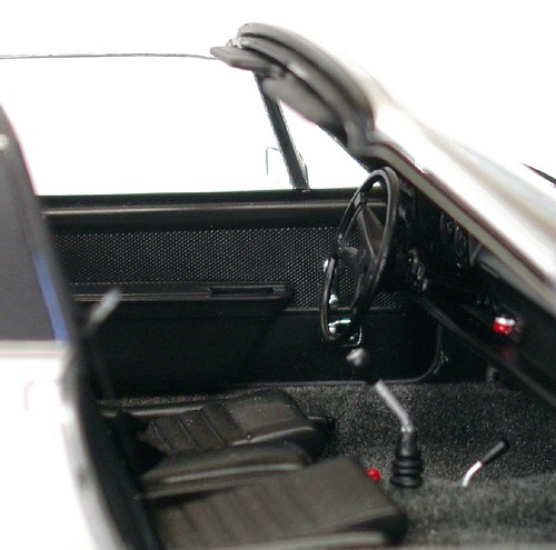 Autoart VW 914 abitacolo