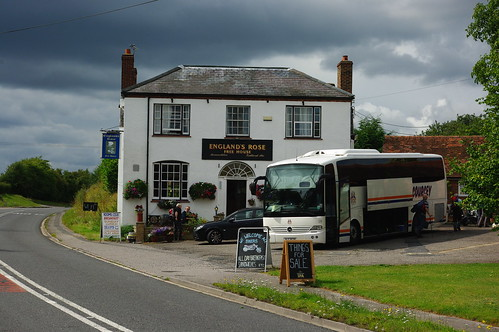 20110717-50_England's Rose Pub - Postcombe by gary.hadden