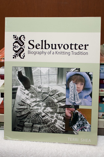 Selbuvotter (front)