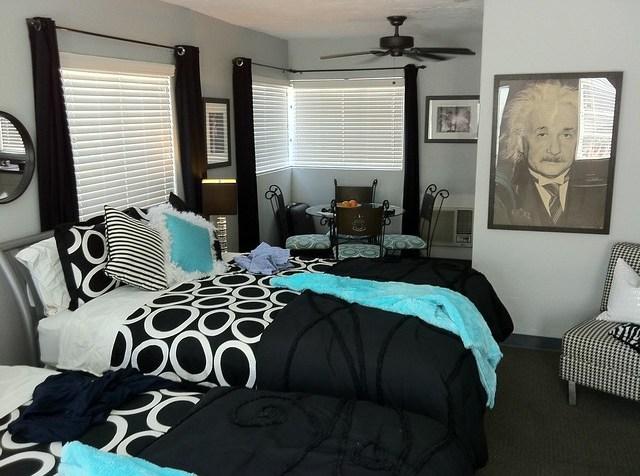 Posh Guest House Palm Springs California Room 6