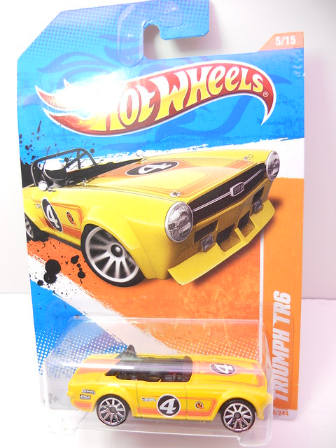hot wheels triumph tr6 (1)