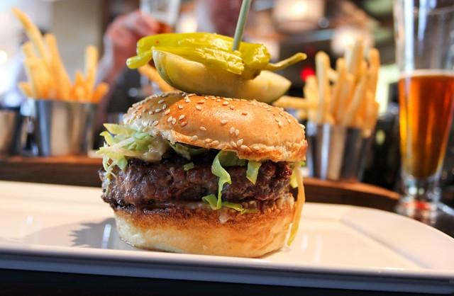 bourbonsteakburger1sttripsmall-1024x668