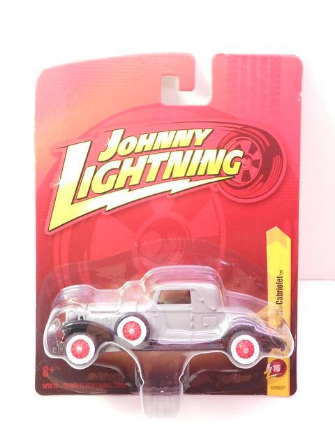 johnny lightning 1931 cadillac cabriolet grey (1)