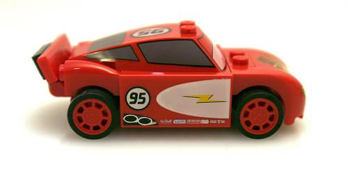 8200 Radiator Springs Lightning McQueen - Side