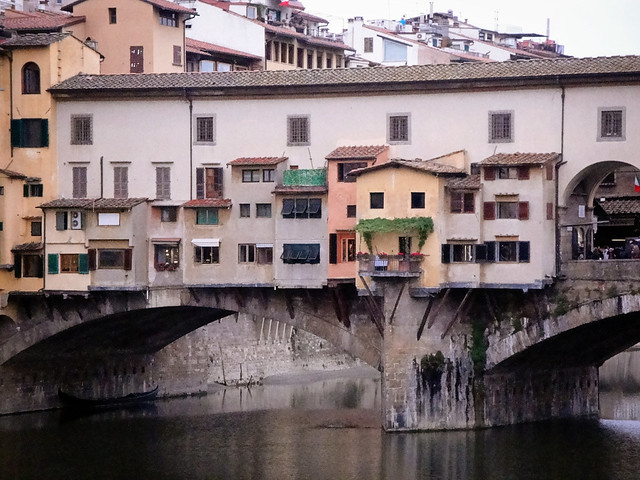 bridging the Arno River.