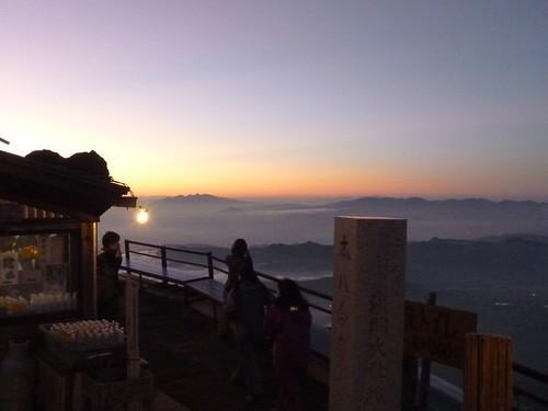 本八合目からの夕陽, 一合目から富士山に登る Climbing Mt.fuji, from the starting point of Yoshidaguchi Climb Trail