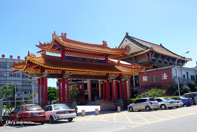 之所以叫做海山寺是這座佛寺靠近海邊....