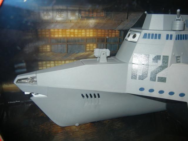disney store cars 2 combat ship case (2)