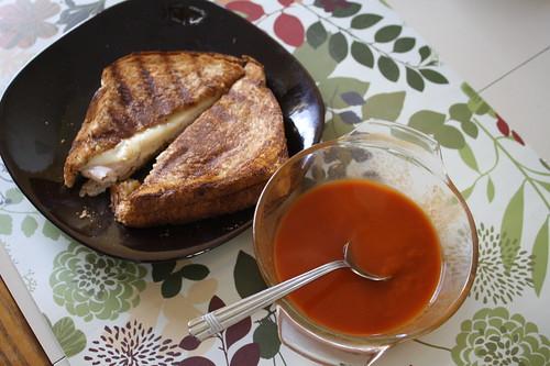 panini and tomato soup