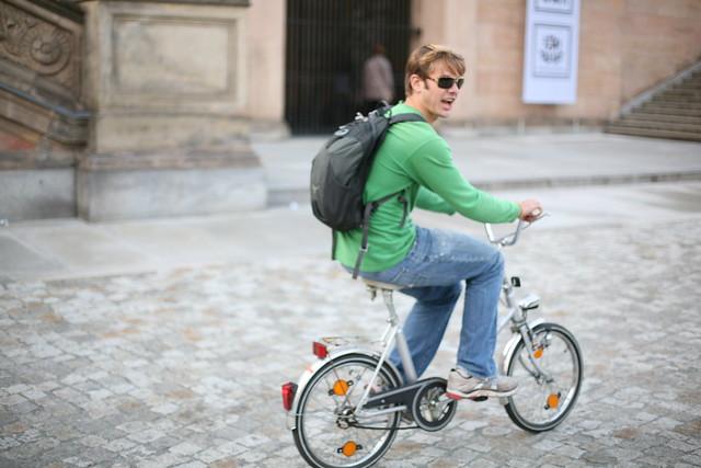 giant on bike