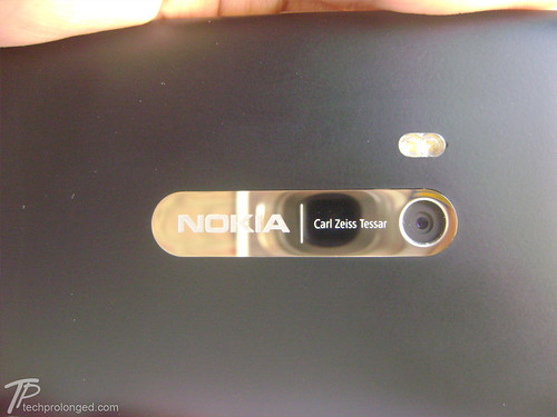 Nokia N9 - Design, Display and Case