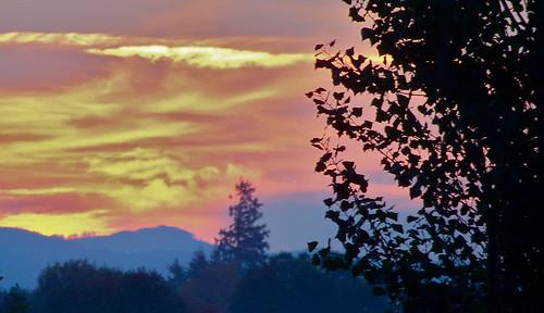 Sunrise by WETCLOUD