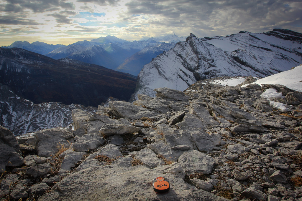 Spot Emergency Beacon, from Rote Totz Lucke with a southern view towards Valais Alps