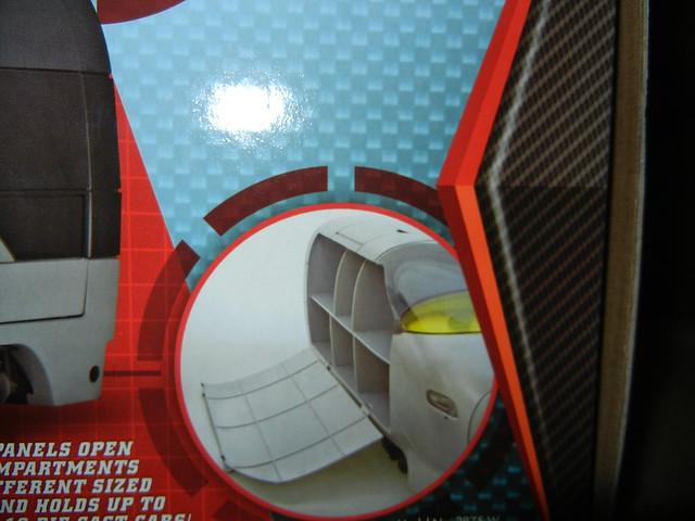 disney store cars 2 stephenson spy train carrying case (8)