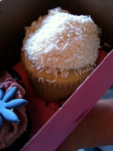 kara's cupcake- vanilla