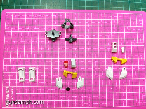 1 144 HG Gundam AGE-1 Normal Review OOB Build  (32)