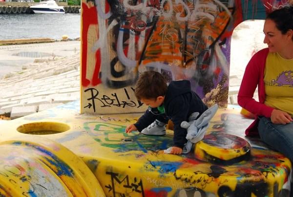 Teo, Vero y los graffitis